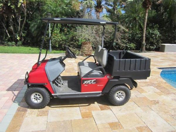 Club Car 2013 bencinero 2 pasajeros con caja de carga y luces , seminuevo impecable 12 meses de garantía en repuestos