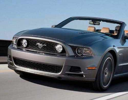 IMPORTER FORD MUSTANG