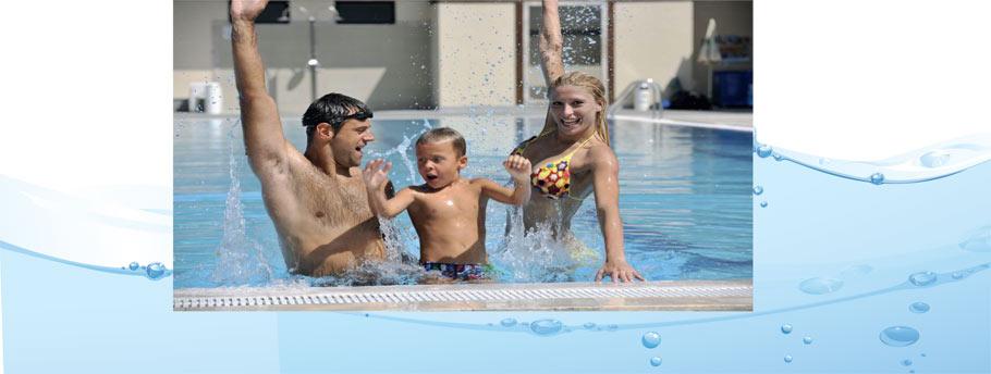 family-splashing