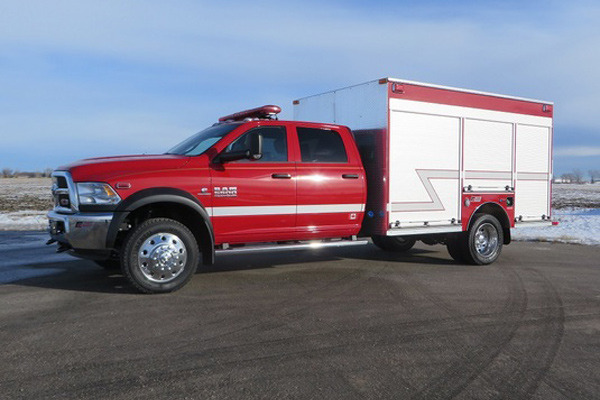 2015 DODGE 4×4 5500  WALK AROUND 12′ – ALUM 5083