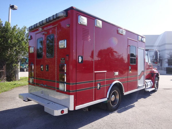 2006 International 4300 Ambulance