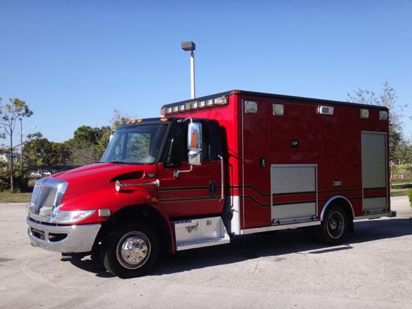 2006 International 4300 Ambulance