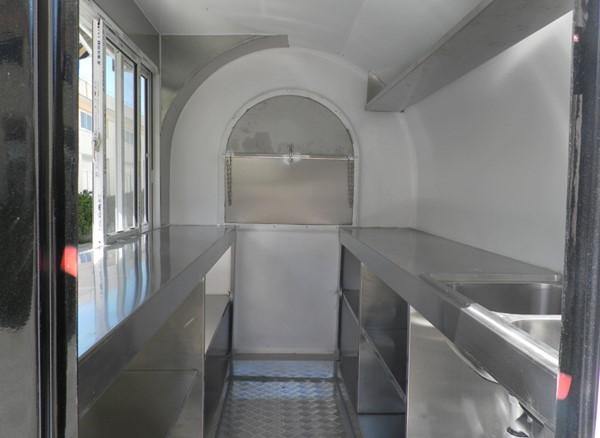 TRAILER DE COMIDA AL AIRE LIBRE | MODELO HL-FR220H interior